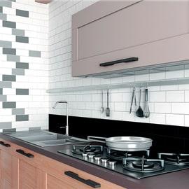 Rivestimenti cucina pannelli mattonelle piastrelle cucina - Posa piastrelle cucina ...