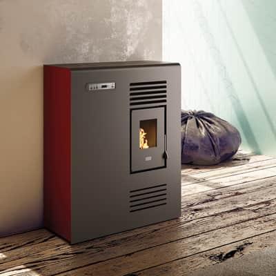Stufa a pellet ventilata Tina Slim 4 kW rosso
